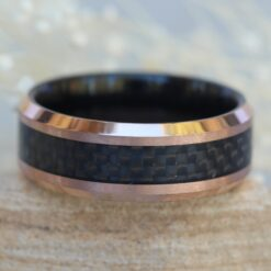 tungsten mans wedding band 8mm two tone black ip inside rose gold ip finish black carbon fiber inlay LS6136